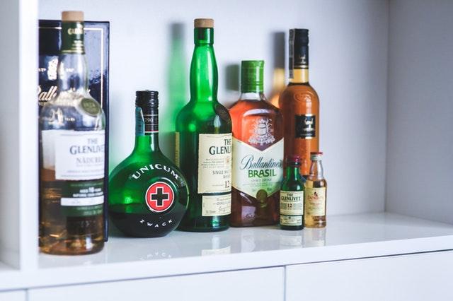 tvrdý alkohol