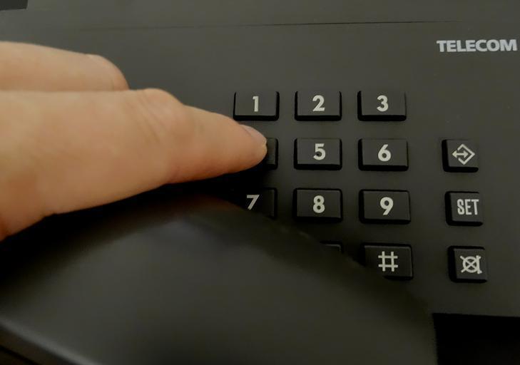 vymačkávání telefonního čísla